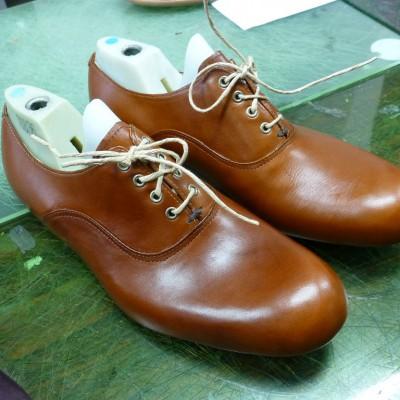 13-09-11の工房シューネクスト。完成あと一歩の靴と型紙の偉大さ!   日記   シューネクスト
